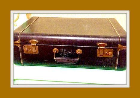 HALF OFF SALE! Vintage 60s Mod Navy Blue Suitcase Travel Luggage Storage | New Vintage Etsy Shop Valleyofthedollies | Scoop.it
