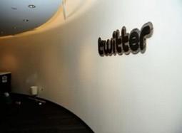Twitter infographic: Don't be a twit – tweet your customers | The Wall Blog | 2- Du social retailing à l'innovation des points de vente | Scoop.it