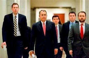 House moves to extend pay freeze for fed workers | Daily Crew | Scoop.it