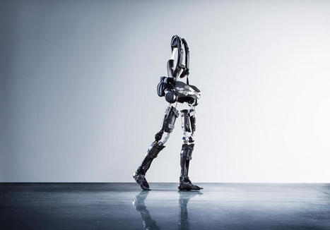 The Paralyzed Can Walk Again With This Super-Light Robotic Exoskeleton | #Technology | Scoop.it