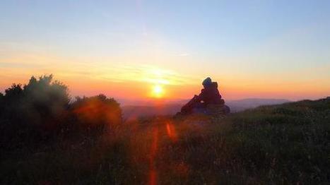 Lever de soleil du solstice d'été 2015 à Bugarach | Bugarach | Scoop.it