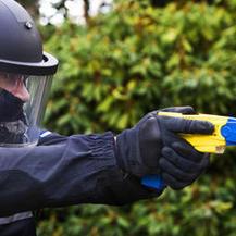 Geen stroomstootwapens voor Amsterdamse politie | Maatschappijleer | Scoop.it
