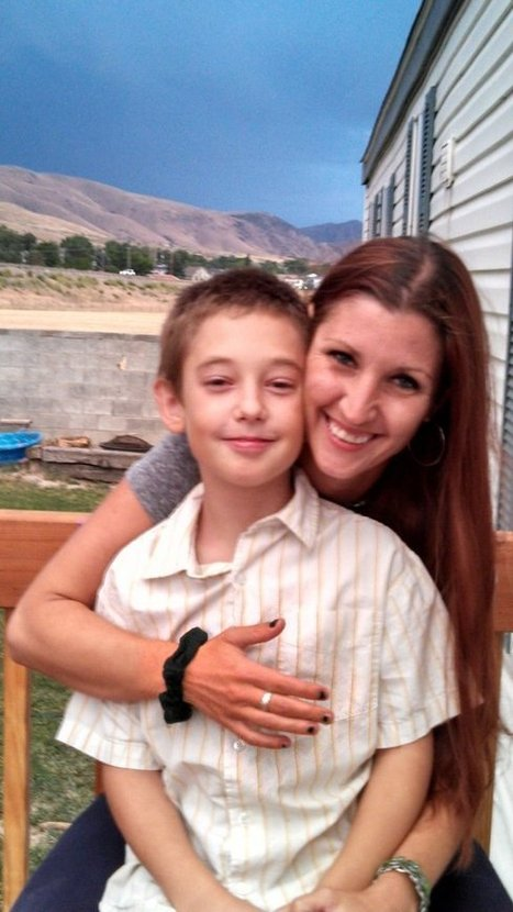 Mom and Son Pay It Forward With Daily Good Deeds | Amanda Thomas | Scoop.it