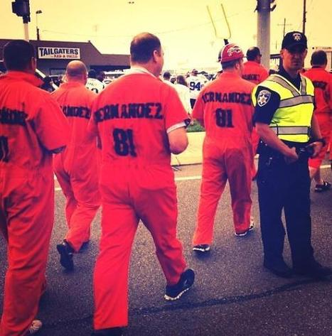 Buffalo Bills Fans Wore Aaron Hernandez Orange Jumpsuits - Front Page Buzz   Nickel City Sports & Media   Scoop.it
