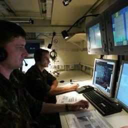 Digitaler Truppeneinsatz: Bundeswehr meldet sich bereit zum Cyberwar - SPIEGEL ONLINE | Armee & Social Media | Scoop.it