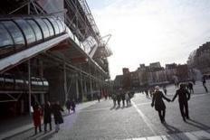 Apprendre la langue martienne, c'est possible au Centre Pompidou ! | Le BONHEUR comme indice d'épanouissement social et économique. | Scoop.it