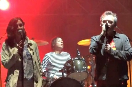 Video: The Jesus and Mary Chain plays 'Just Like Honey' with ... | iPad Sammy's Pinterest Page | Scoop.it