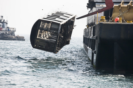 Stunning Photos Showing NYC Subway Cars Being Dumped Into the Ocean | DiverSync | Scoop.it