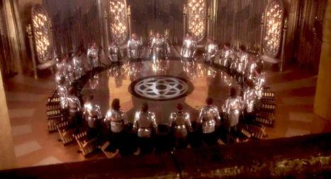 La Mesa Redonda del Rey Arturo  ¿Banquete funerario romano? | LVDVS CHIRONIS 3.0 | Scoop.it