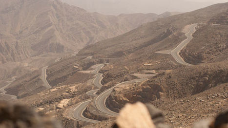 100 Miles From Dubai: Driving The $80 Million Road To Nowhere   Outbreaks of Futurity   Scoop.it