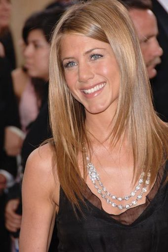 Coming Soon: Jennifer Anniston Hair Care Line | The Beauty Brigade's - Beauty Scoop! | Scoop.it