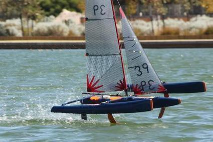 Hydrofoiling remote controlled sailing trimaran on test + Video - Sail World | RC Models | Scoop.it