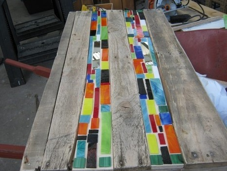 Mosaic pallet table | Palettes | Scoop.it