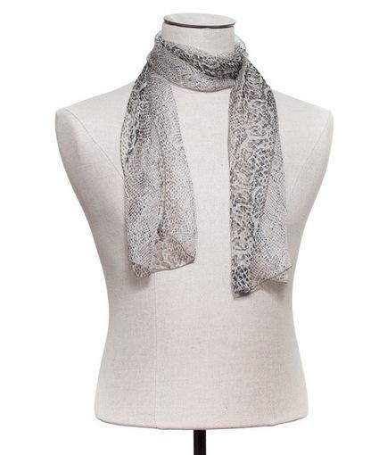 Le foulard se fait reptile avec l'imprimé python - Mode tendance - Echarpissime   Actualités Echarpissime   Scoop.it