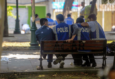 Police Block Gezi Park As Peace Protests Erupt In Istanbul | What are the key conflicts occurring in 2013 and where are they happening? | Scoop.it