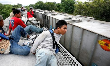 Migrants risk life and limb to reach the US on train known as the Beast | histgeoblog | Scoop.it