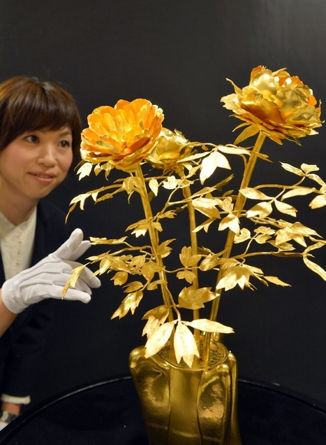"Tokyo ""Gold Expo"" Exhibition in Pictures 