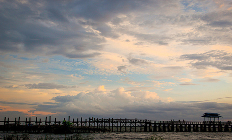 U-Bein Bridge at Sunset Wild About Travel | The Blog's Revue by OlivierSC | Scoop.it