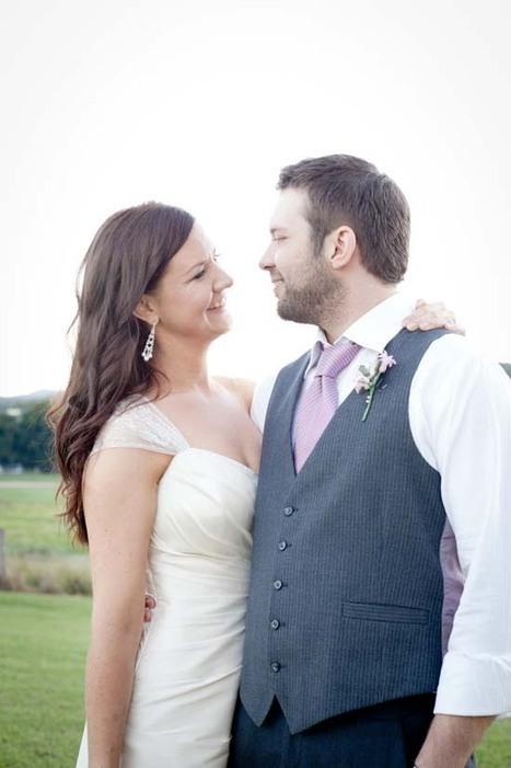 Jessica and Joel's Rustic Country Wedding | kenilworth homestead wedding | Scoop.it