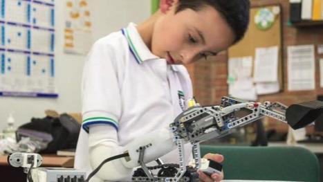 Une prothèse d'avant-bras en Lego remporte un prix d'innovation à Paris - FranceTVinfo | Santé et médias | Scoop.it