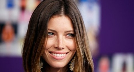 """Actress Jessica Biel Tweets """"I Hugged POTUS"""" While Hanging With Obama At White House Concert… 