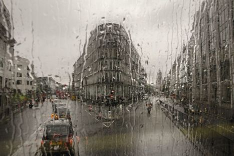 Last Stop: London through the windows of buses | Communication design | Scoop.it