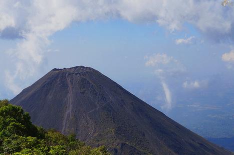 EPOC: El Salvador Santa Ana Volcano | EPOC - Extraordinary People | Scoop.it