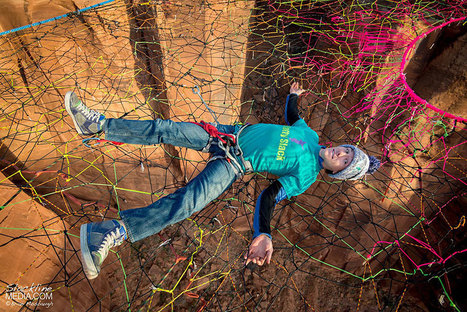Adrenaline Junkies Put A Hand-Woven Net 400 ft Up And 200 ft Out From The Cliffs To Climb And Dive | 16s3d: Bestioles, opinions & pétitions | Scoop.it