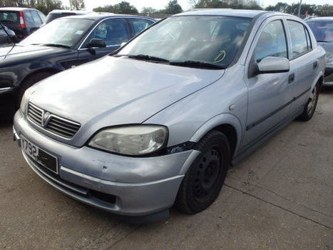 Salvage 2001 grey Vauxhall Astra Cdx with VIN W0L0TGF4815 on auction | VEHICLES on Auction | Scoop.it