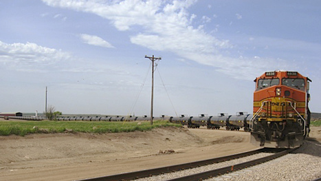 Pipeline On Wheels: Trains Are Winning Big Off U.S. Oil | #georic | Scoop.it