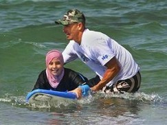 SURFING FOR PEACE: KELLY SLATER IN TRUE CHAMPIONSHIP FORM   surfinfo   Scoop.it