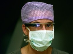 Meet the First Surgeon to YouTube Livestream an Operation with Google Glass | the web - ICT | Scoop.it