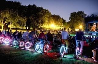 Un cinéma en plein air qui marche à l'énergie des cyclistes ! | triporteur | Scoop.it