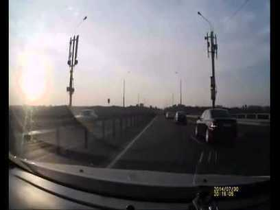 Oh So Lucky: Best Bike Accident Ever! [Video] | yardhype posts | Scoop.it