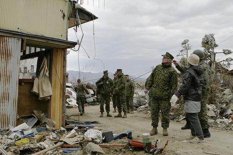 [Photo] L'armée américaine au service des victimes   Flickr - Photo Sharing!   Japon : séisme, tsunami & conséquences   Scoop.it