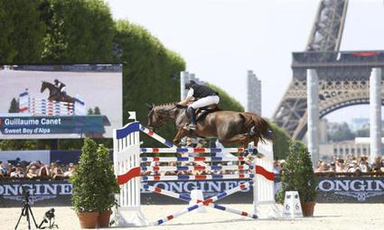 En selle au pied de la Tour Eiffel - Le Figaro Sport   La Tour Eiffel   Scoop.it