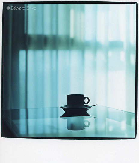 Cup of tea on glass coffee table © Edward Olive professional photographer in Madrid Spain | Photographers in Madrid Barcelona Spain | Scoop.it