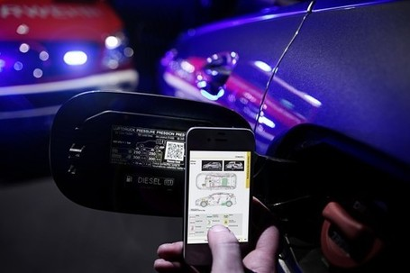 Mercedes Adds QR Codes to Cars in Effort to Aid Emergency Responders | QR codes for learning | Scoop.it