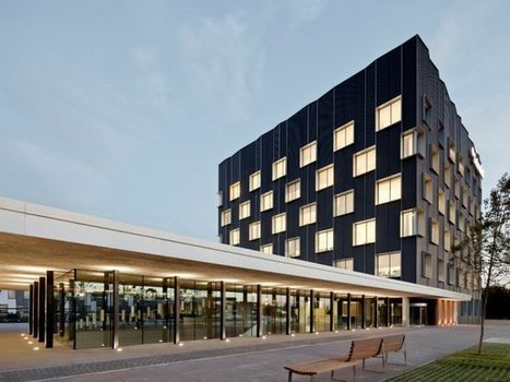 Banc Sabadell Headquarters by Bach Arquitectes | sustainable architecture | Scoop.it