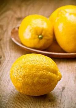 10 Reasons Why Lemon Water Rocks the Beauty & Health Stakes! | Healthowealth | Scoop.it
