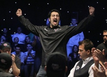 WSOP Now Allowing You to Speak and Celebrate in Moderation Via @compncards | Hit by the deck | Scoop.it