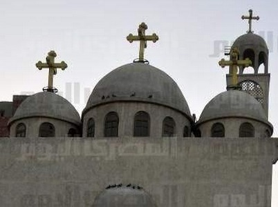 Muslims pray in front of Imbaba church, decry sectarianism | Égypte-actualités | Scoop.it