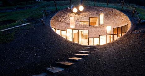 Maison troglodyte contemporaine au coeur d'un village de montagne Suisse   habitat bois   Scoop.it