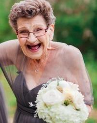 Jamais trop vieille : une demoiselle d'honneur très spéciale | Rhit Genealogie | Scoop.it