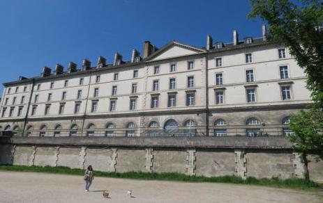 Saint-Cloud La caserne Sully pour les archives départementales | L'observateur du patrimoine | Scoop.it