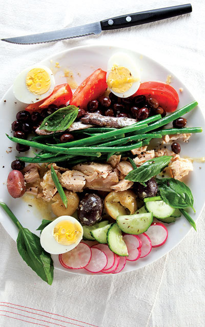 Salade Nicoise Recipe - Saveur.com | À Catanada na Cozinha Magazine | Scoop.it