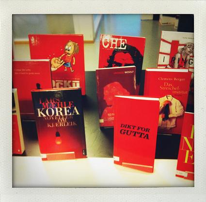 Leselyst: Lån en rød bok til jul! | Skolebibliotek | Scoop.it