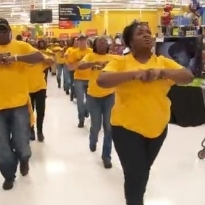 Watch These Union Workers Give Walmart Bosses a Powerful Lesson They'll Never Forget | Unions and Labour | Scoop.it