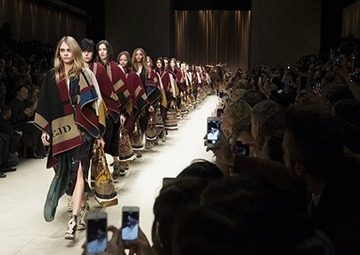 Burberry reveals 'digital innovation' partnership with WeChat to strengthen social presence in China | Buss 4 research | Scoop.it