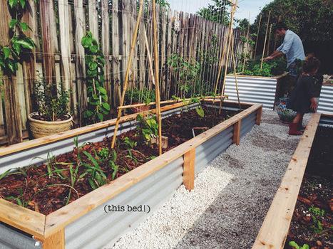 Our Raised Beds: Easy Metal & Wood Garden Bed How To / DIY | DIY | Scoop.it